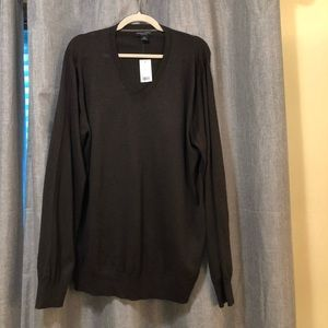 Banana Republic Vneck Sweater - NWT - Size XL